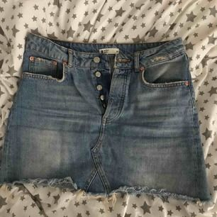 Jeans kjol från Ginatricot storlek 36, bra skick 🥰