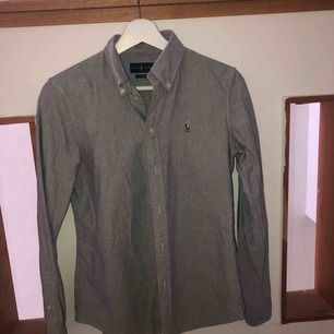 Ralph Lauren skjorta, knappt använd. 300kr+ frakt eller bud! Allt ska bort