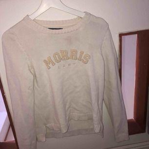 Morris tröja, storlek S. 100kr+frakt, allt ska bort