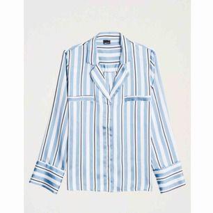 Jättefin blus/skjorta från ginatricot knappt använd!