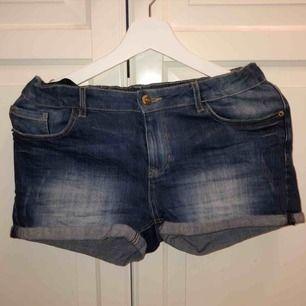 Shorts från Detroit strl 164. 30kr + frakt