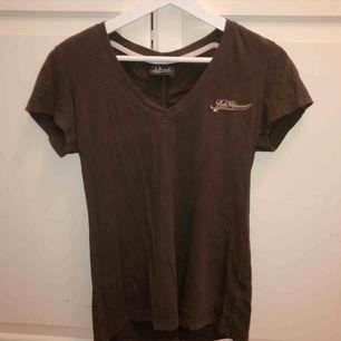 Äkta Peak Performance T-shirt. Strl M men mera som en S. (Fint skick) 60kr + frakt