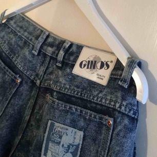 As coola momjeans från Gino's, köpta på Beyond Retro i somras men har för många jeans så måste sälja av mig dessa. Dom är vintage och så fina. ❣️