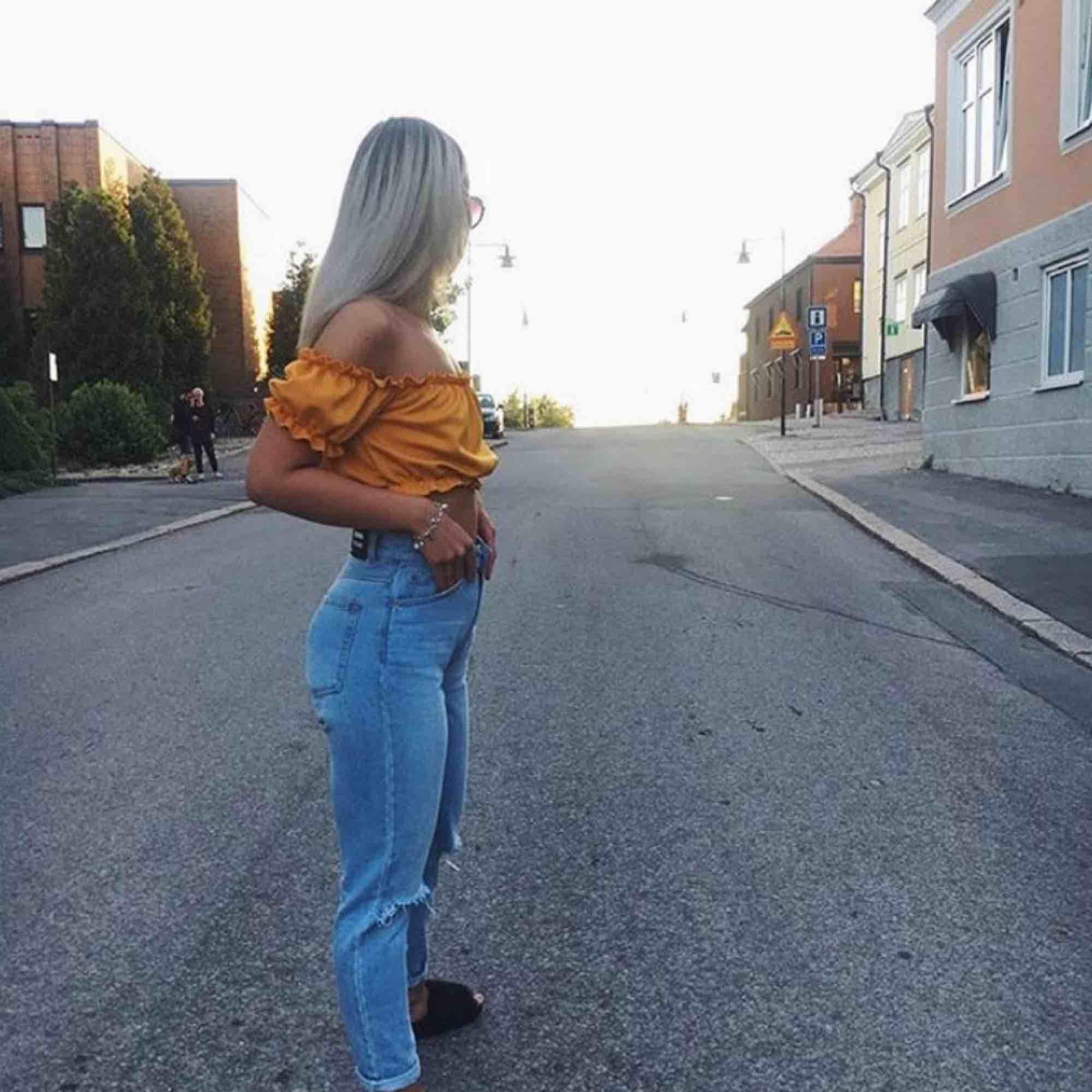 Säljer mina svinsnygga och sköna jeans från DR.denim då de tyvärr inte kommer till användning. Frakt tillkommer!☺️. Jeans & Byxor.