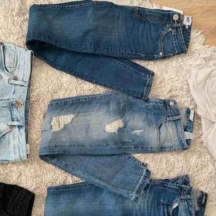 Jeans 100:-/par Skinnbyxor 150:- Kostymbyxor 100:- Shorts 50:-/st Freddy byxor 350:-/st