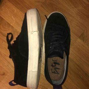 Eytys skor storlek 38! Väldigt bra stick! Kopparen står för frakt! 💕