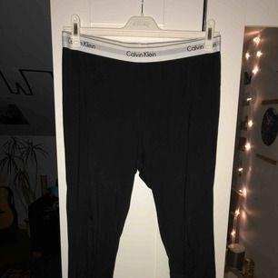 Mysiga och mjuka Calvin Klein tights. Använda bara en gång. Köparen står för frakten, kan mötas upp i Lund