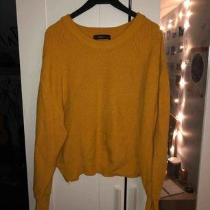 Super skön stickad tröja från Zara. Köparen står för frakten, kan mötas upp i Lund