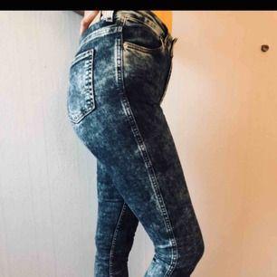 Storlek XS/S. Sköna jeans från monki