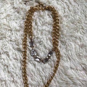 Halsband ✨ Frakten är inräknat