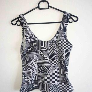 Coolt linne från Monki i storlek M. Köparen står för frakt