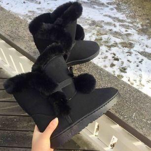 Superfina UGG-liknande skor. OANVÄNDA pga för stora för mig med 36, fri frakt inom Sverige🕊