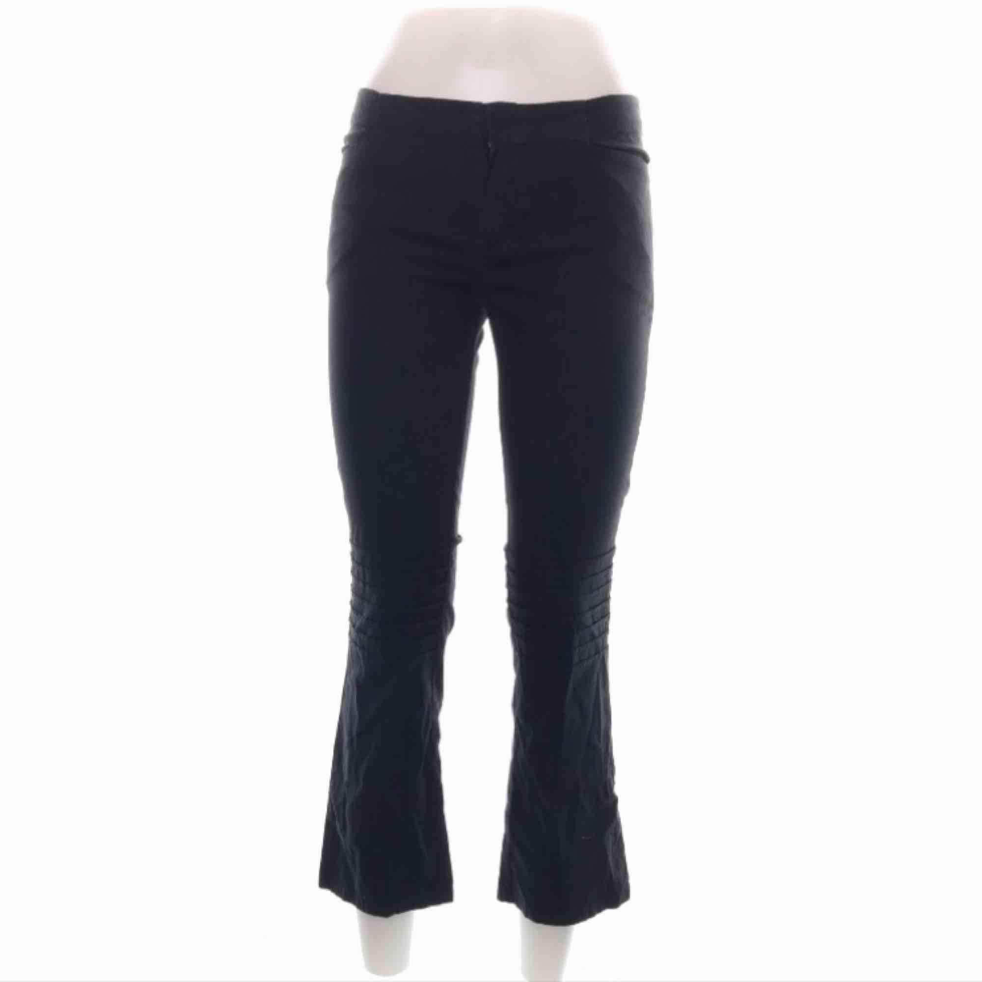 WHYRED byxor storlek W25. Bra skick . Jeans & Byxor.