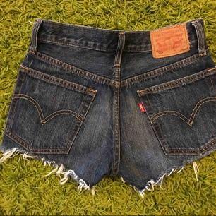 Levi's shorts stlk 24, i skick som nya.