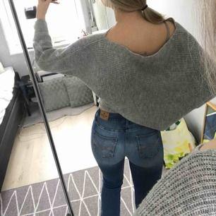 bootcut jeans från abercrombie & fitch, i barn srl 15-16 years, skulle passa ngn som är 155-160 perfekt, kan sänka priset vid snabb affär, fraktar men köparen får stå för fraktkostnaden, hör gärna av er om ni har frågor eller vill ha fler bilder :)
