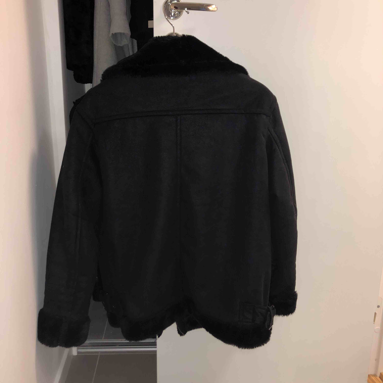 Snygg biker jacka. Använda ett fåtal gånger så den är som ny. Ord pris 700 kr. Köparen står för frakt. Jackor.