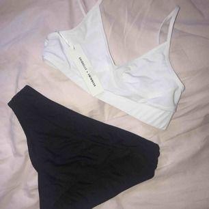 Bikini från Chiquelle Swimwear. Top storlek S, Trosa storlek M. Toppen är ny och trosorna i fint skick