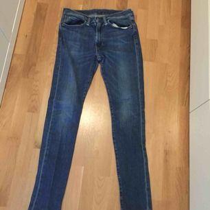 Waist 34 och längd 34! Ett par Levis jeans för män, använda en gång då jag växt ur de!