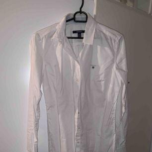 Gant skjorta storlek 38, aldrig använd