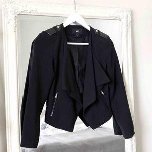 Suupersnygga kostymbyxor från H - H M Kostymer - Second Hand bd5405e6bf1e3