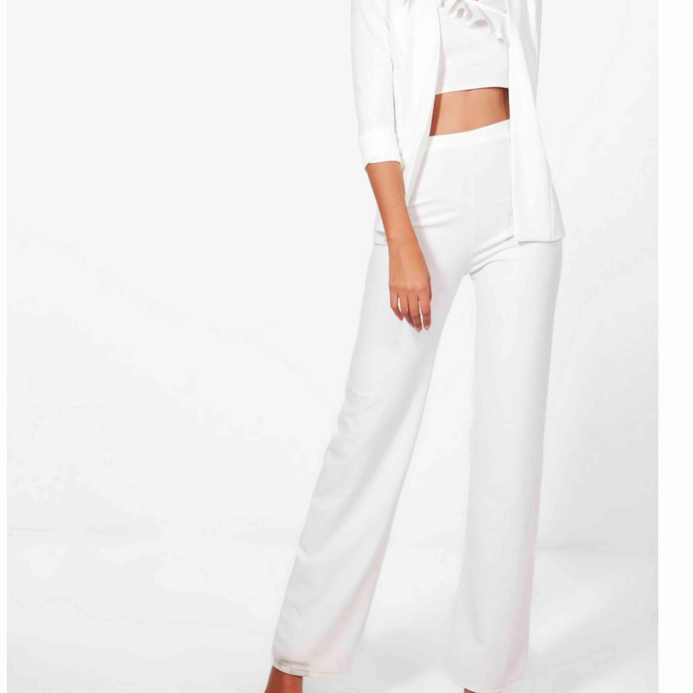 Aldrig använda byxor från boohoo i deras kollektion boohoo tall, alltså funkar bara till längre människor då de är långa. Prislapp kvar . Jeans & Byxor.