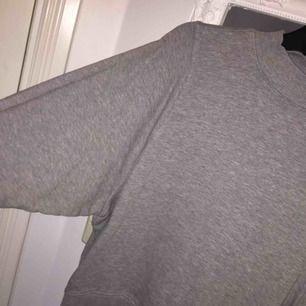 Fin tröja från Monki!
