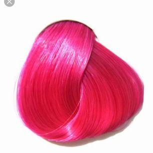 2st Pink Flamingo hårfärger från Directionz, oöppnad förpackning, bara en av bruksanvisningarna som jag kikat på. Köpt i december, frakt ingår i priset💖