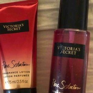 Body mist & body lotion ifrån Victoria's secret.  60kr/st eller 100kr för båda 2.