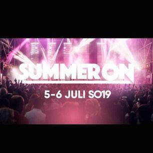 Säljer 2 biljetter till summer on festival för 700 kr styck! Biljetterna är för alla dagar