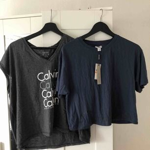 Två crop tops från Calvin Klein  Båda köpa för 300kr styck Säljs för 150kr för båda