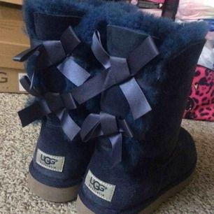Dem perfekta skorna för lite kallare tider💙 STORLEK 37!💙 Väldigt gott skick!💙  Pris kan diskuteras vid snabbköp!