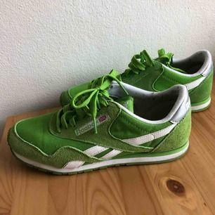 42a3cc35d9a Gröna Reebok, sparsamt använda och perfekt till våren. Storlek 38,5 men  skulle