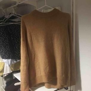 Typ beige/brun tröja i ull-liknande material🌻🌻 från hm 🌈 exkl frakt