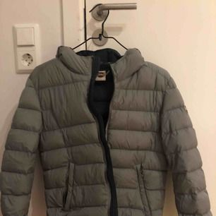 Colmar down jacket women size S, IT 40  (italian sizing)  Good condition :)  Grey/ navy blue colorway  Price can be discussed when interested. Meet up in Stockholm or send  via shipping