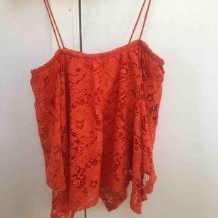 Orange linne. Passar perfekt till våren/Sommaren