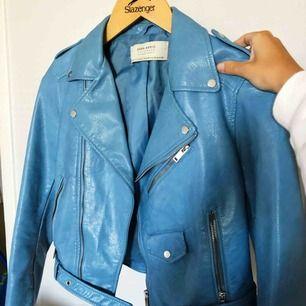 Skinnjacka från Zara, strl XS