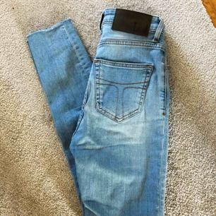 Jeans från Tiger of Sweden, nypris 1399kr! Väldigt sparsamt använda