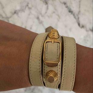 Armband från Balenciaga, nypris 2000kr. Justerbar storlek