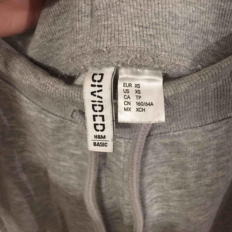 Basic mjukisbyxor.  Köpare står för frakt.. Jeans & Byxor.