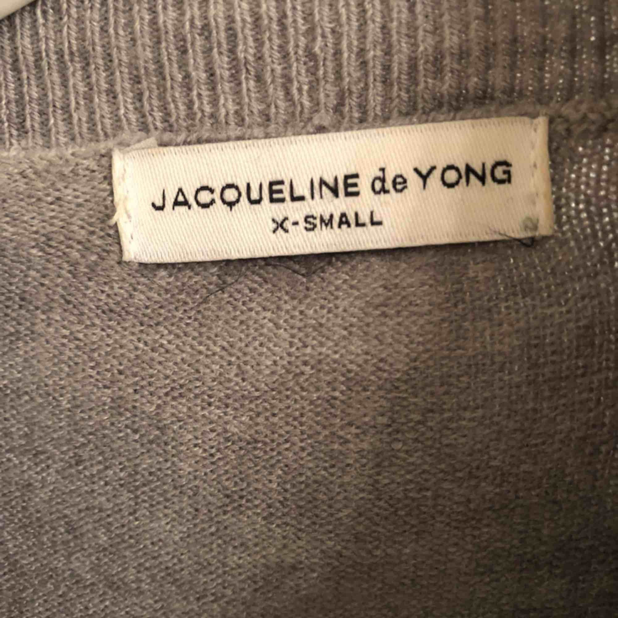 Fin tunnare tröja köpt ifrån zalando, men kommer tyvärr inte till användning för mig. Tröjor & Koftor.