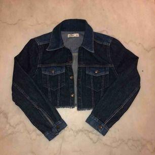 Cropped jeans jacka.