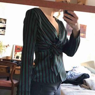 Omlottblus från Zara