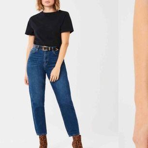 Mom jeans från Gina tricot. Knappt använda.