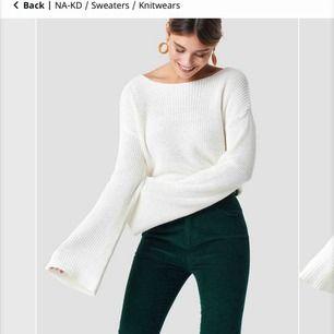 Superfin tröja från nakd. Används tyvärr inte längre! I samma modell som på första bilden men i den blå färg som visas på andra bilden!😊
