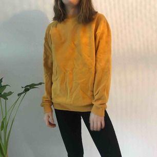 Collegetröja från Zara man  Använd 1 gång Köparen står för frakt men kan mötas upp i uppsala