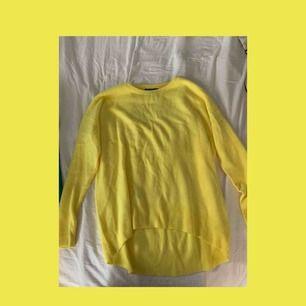köpt på primark, härlig gul färg. Perfekt till påsken 💛💛