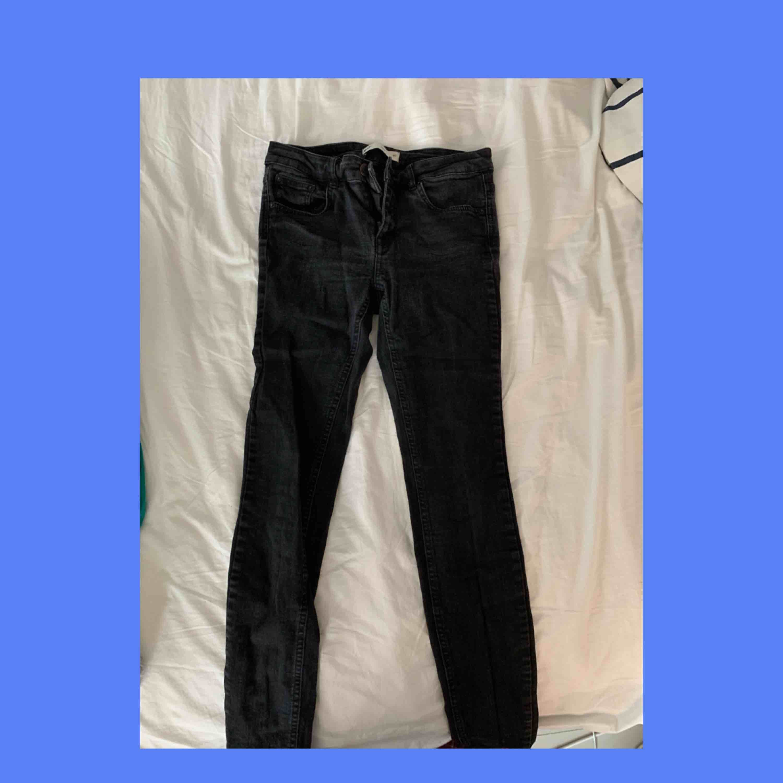 svarta Jeans från gina. Jeans & Byxor.