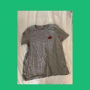 Aldrig använd, super söt t-shirt. 💋