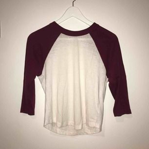 En långärmad tröja! Från urban outfitters