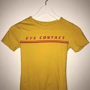 En t-shirt/ body , från zara! Ganska töjbar!